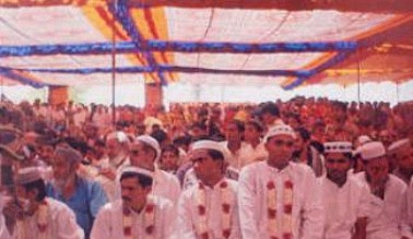 Thousands assemble for the Mass Marriage at Godhra.